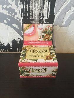 Отбеливающая зубная паста Clove Oil